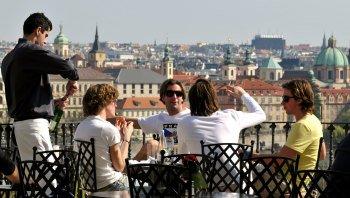 Ver la ciudad,Crucero por el río Moldova,Con almuerzo incluido