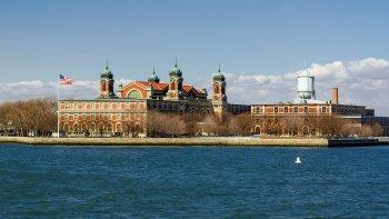 ,Con visita al Museo 11-S,Estatua de la Libertad y crucero a Ellis Island,Statue of Liberty and Ellis Island Cruises