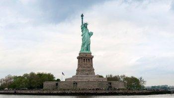 ,Estatua de la Libertad y crucero a Ellis Island,Statue of Liberty and Ellis Island Cruises,Crucero + Entrada