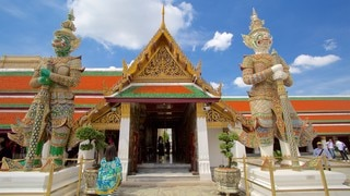 Temple of the Emerald Buddha showing a temple or place of worship and religious elements