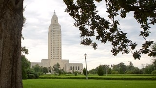 Louisiana State Capitol which includes a park