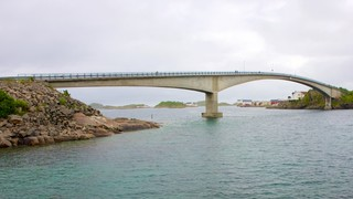 Henningsvaer Bridge
