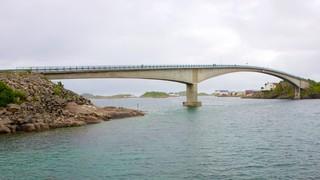 Ponte di Henningsvaer