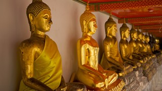 Wat Pho which includes interior views, religious elements and a temple or place of worship