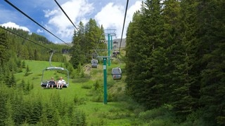 Canadian Rockies showing a gondola and tranquil scenes