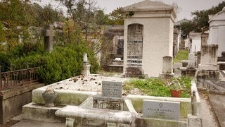 Lafayette Cemetery featuring a memorial and a cemetery