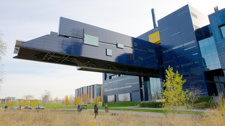 Guthrie Theater showing theater scenes and a city