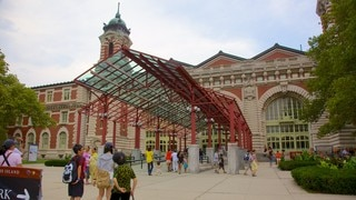 Ellis Island showing heritage architecture