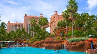 Aquaventure which includes a waterpark, tropical scenes and a pool