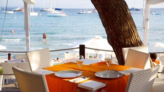 Las Salinas Beach which includes a luxury hotel or resort, boating and outdoor eating