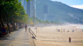 Sao Conrado Beach featuring a sandy beach