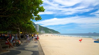 Sao Conrado Beach showing a beach