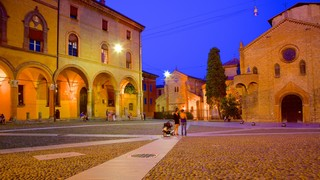 Basilica Santo Stefano which includes heritage architecture, a church or cathedral and a square or plaza