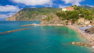Monterosso Beach which includes general coastal views, a coastal town and mountains