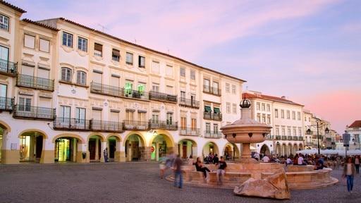 Praca do Giraldo (piazza)