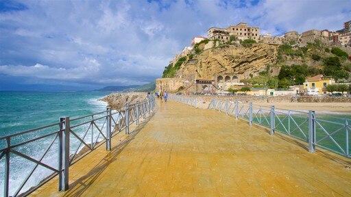 Pizzo Beach