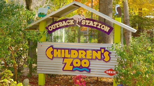 Zoo Atlanta showing signage and zoo animals