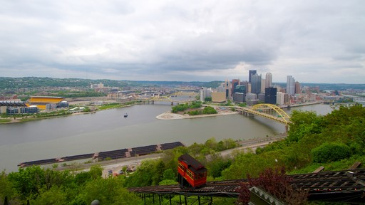 Duquesne Incline which includes a gondola, a city and a bridge