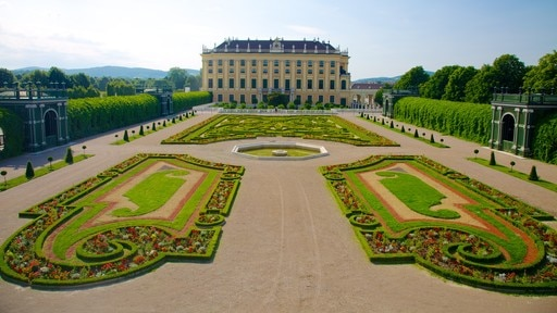 Schoenbrunn Palace which includes heritage architecture, chateau or palace and a park