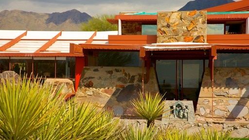 Taliesin West featuring a house