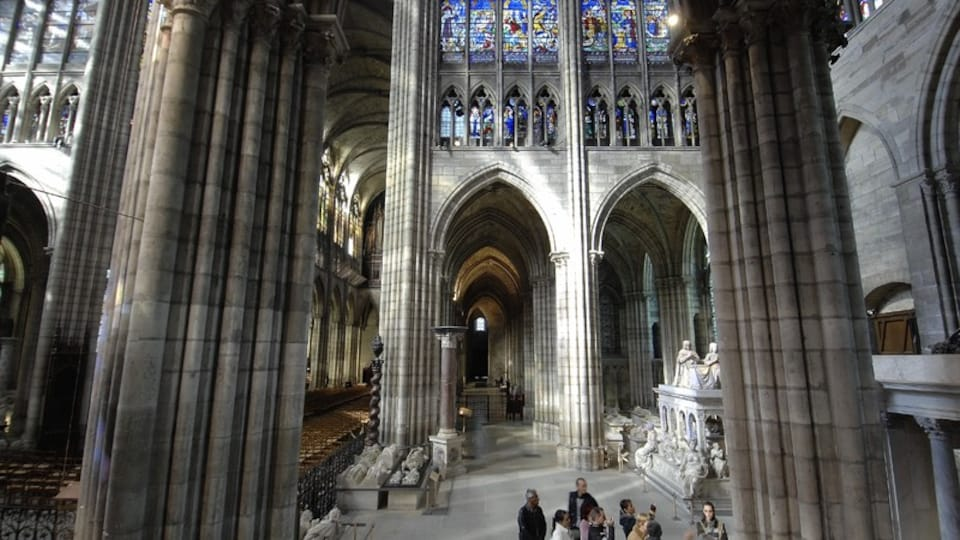 Saint Denis Basilica which includes heritage elements, interior views and a church or cathedral