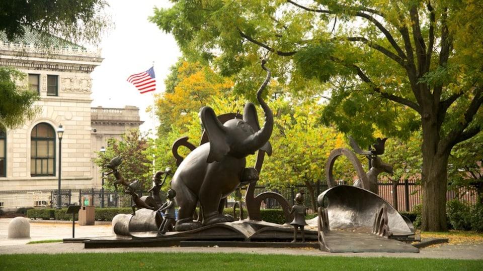 Springfield featuring outdoor art
