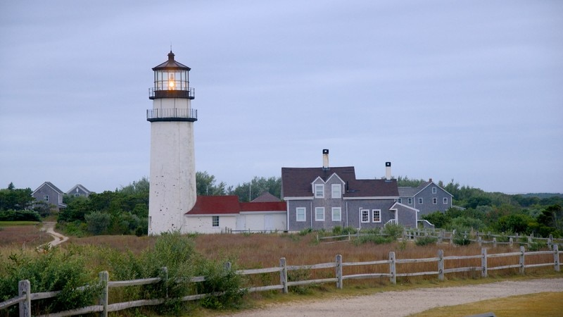 Highland Lighthouse showing a house, general coastal views and a lighthouse