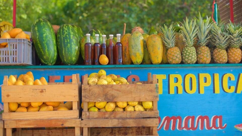 Bayahibe Beach featuring food