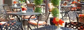 Brampton showing outdoor eating