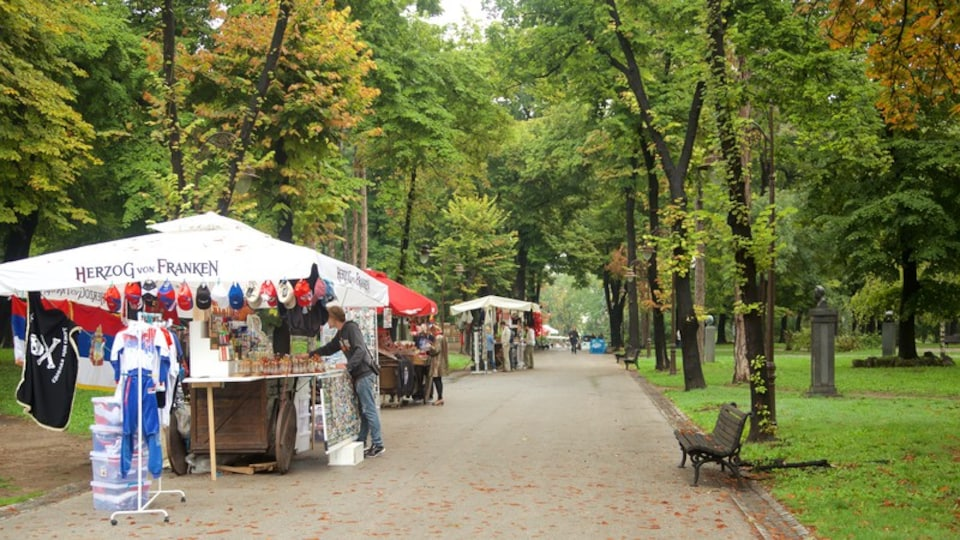 Kalemegdan Park which includes markets and a park