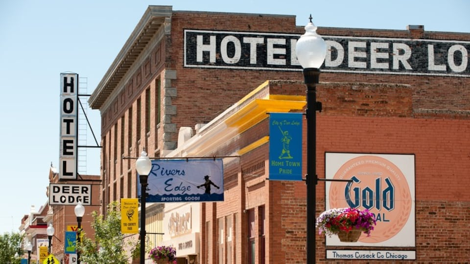 Deer Lodge showing heritage architecture and signage