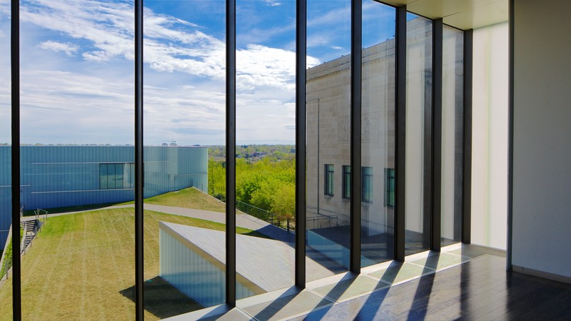 Nelson-Atkins Museum of Art featuring modern architecture and interior views