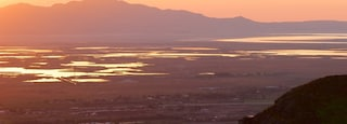 Salt Lake City showing a sunset, mountains and landscape views