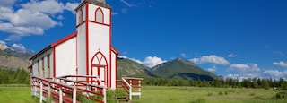Invermere showing heritage elements, a church or cathedral and tranquil scenes