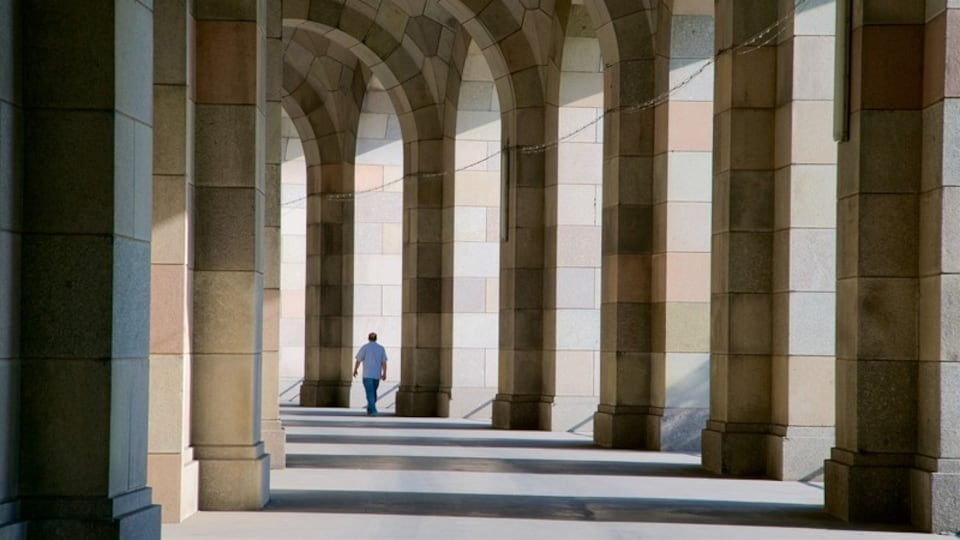 Reichsparteitagsgebaude which includes interior views and heritage elements