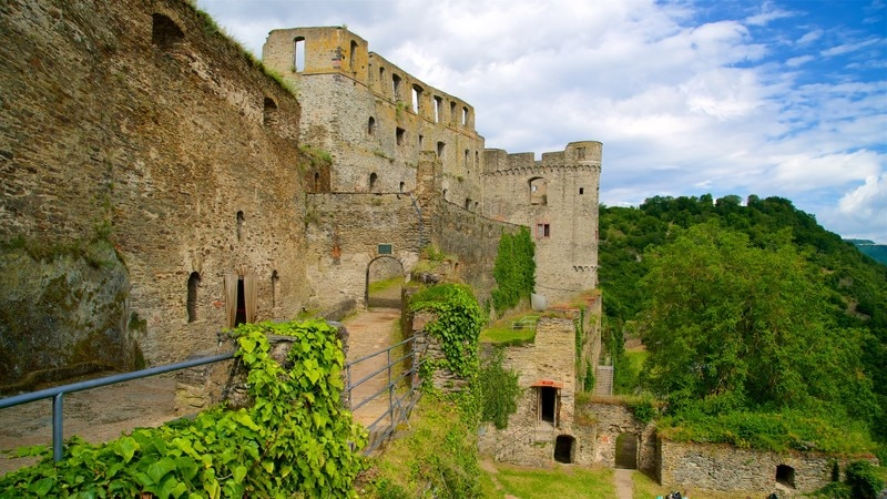 라인펠스 성