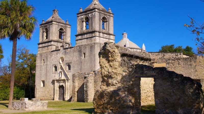 San Antonio Missions National Park featuring a park, a ruin and heritage architecture