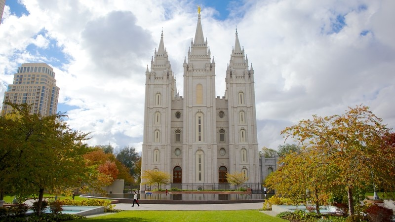 Salt Lake Temple which includes a city, religious aspects and a temple or place of worship