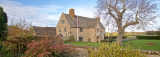 Sulgrave Manor featuring a house