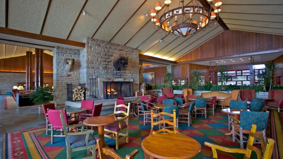Fairmont Jasper Park Lodge Golf Course which includes interior views