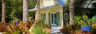 McKee Botanical Garden showing a garden and a house