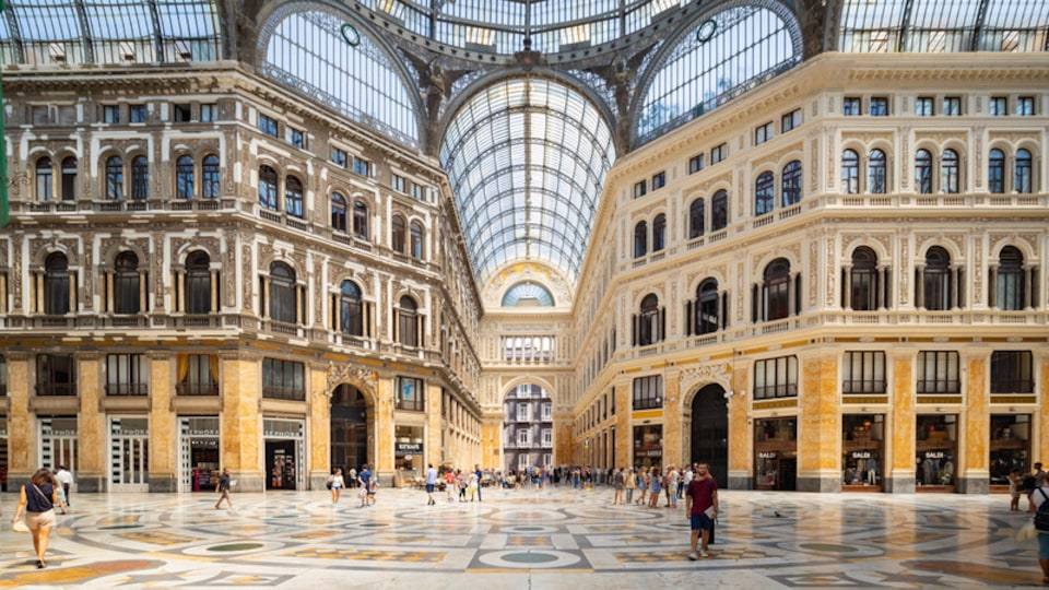 Galleria Umberto I showing a square or plaza, interior views and heritage elements
