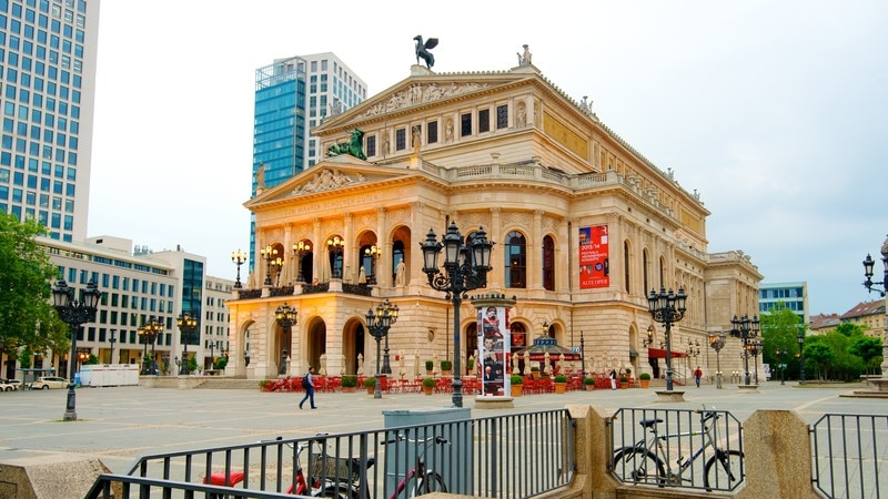 Alte Oper showing theater scenes, a city and a square or plaza