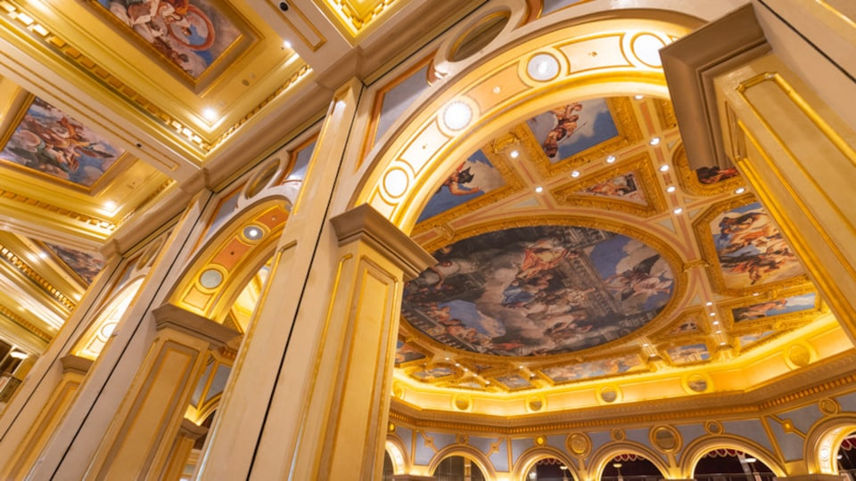 Venetian Macao Casino which includes art, heritage elements and interior views