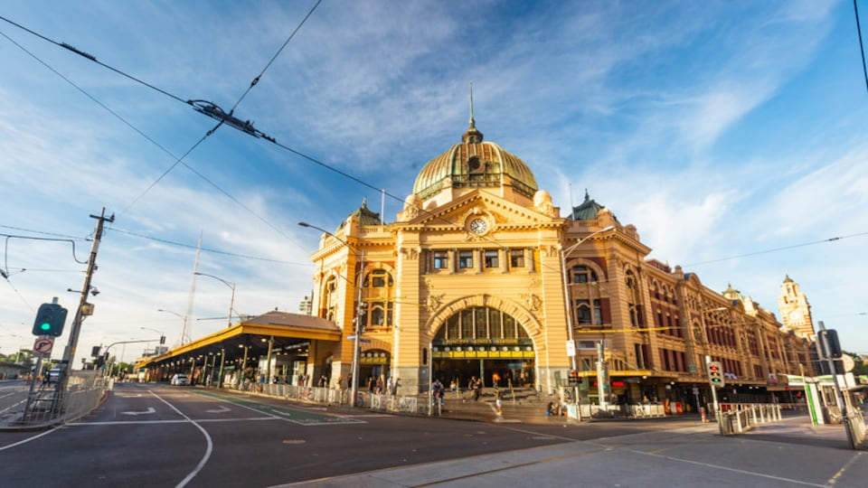 Melbourne showing heritage architecture
