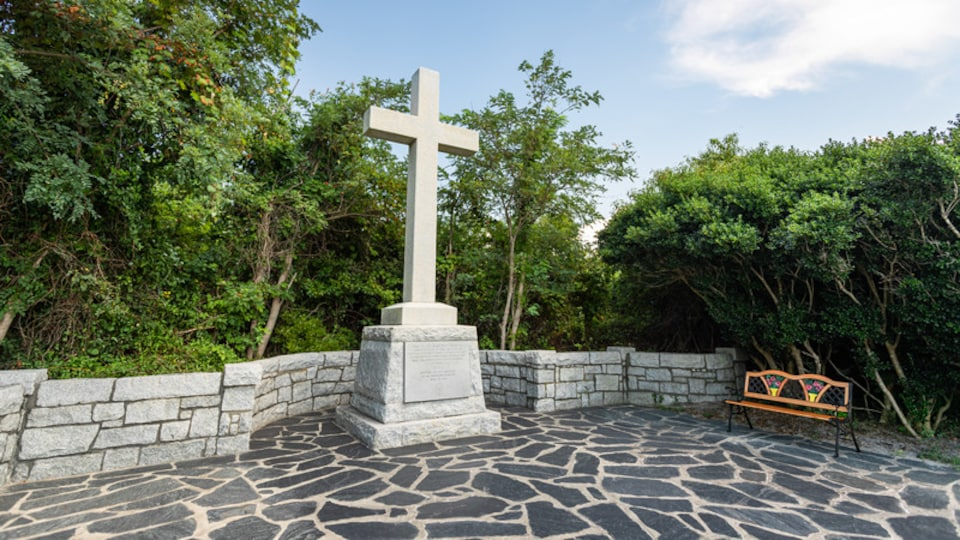 Cape Henry Memorial which includes religious aspects