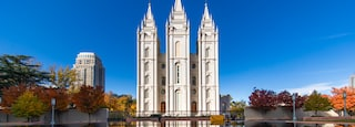 Northern Utah - Salt Lake City showing a lake or waterhole, heritage architecture and a church or cathedral