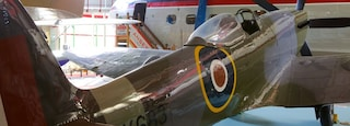 Solent Sky Museum showing aircraft and interior views