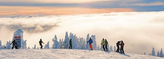 Mont-Tremblant Ski Resort showing snow, landscape views and snow skiing