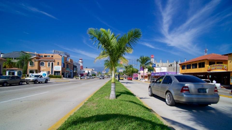 Manzanillo which includes street scenes